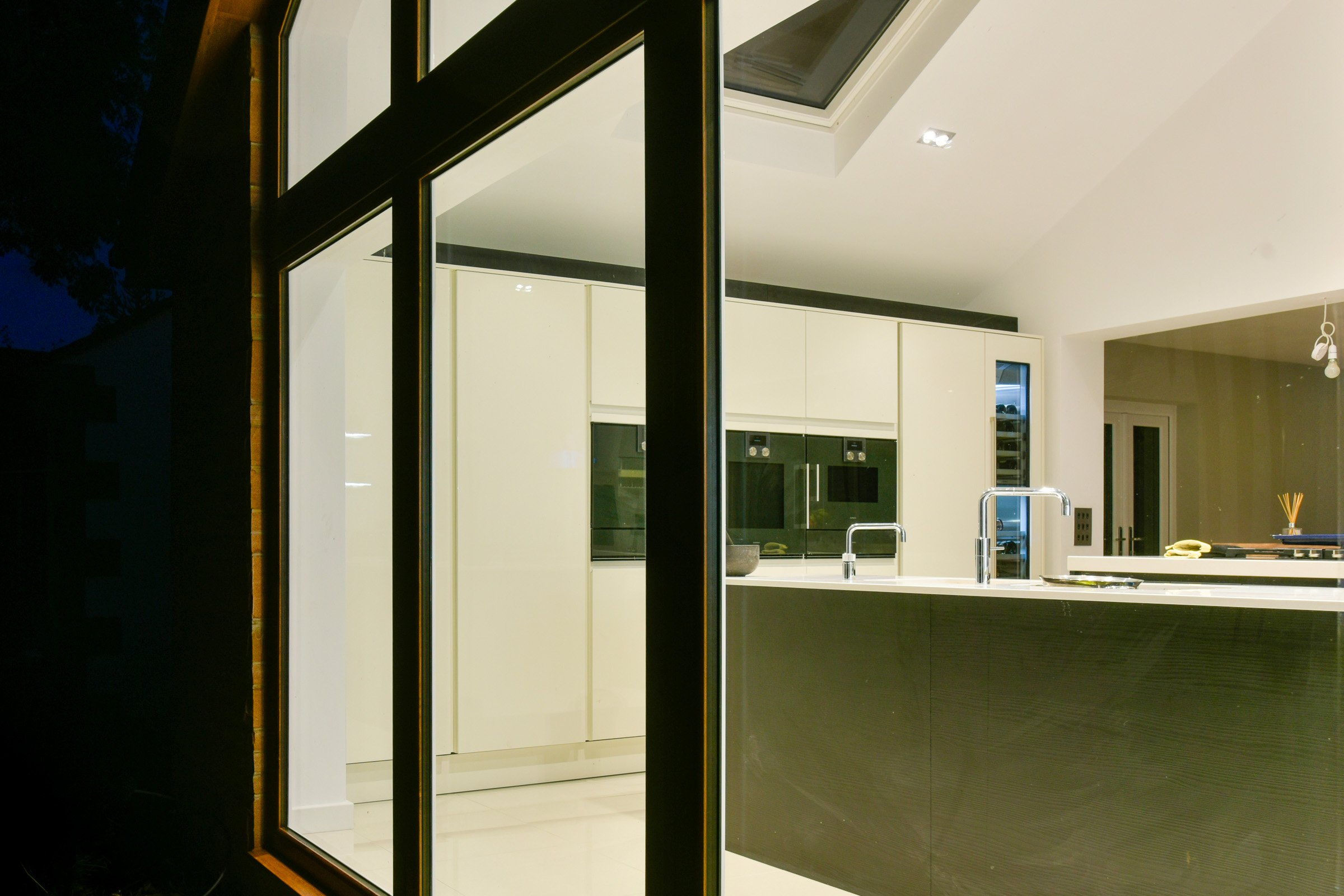 Luxury kitchen with Rako lighting control